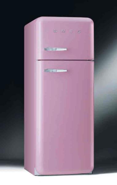 Rosa kjøleskap