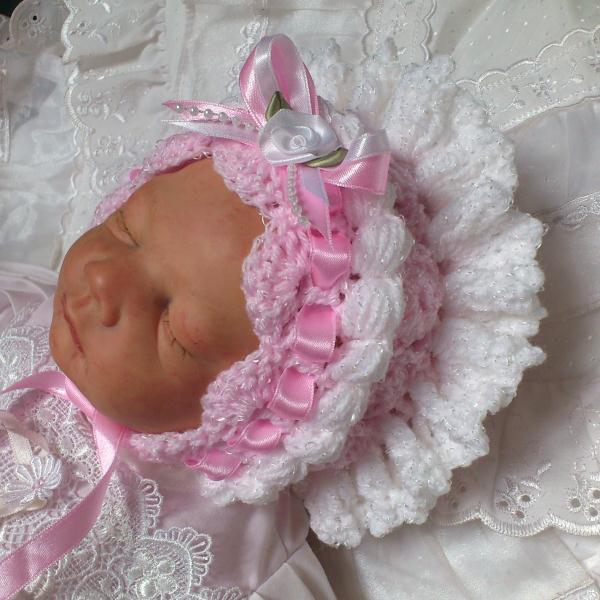 Crochet Baby Bonnet Pattern : Beautiful-Babys-Bonnets Crochet Pattern #01