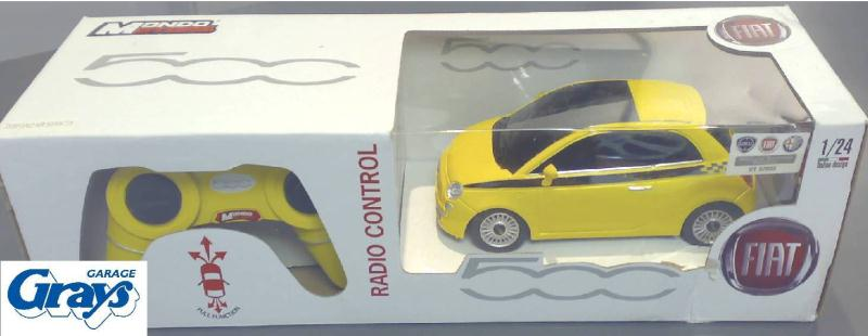 fiat 500 remote control car fiat 500 1 24 scale fiat. Black Bedroom Furniture Sets. Home Design Ideas