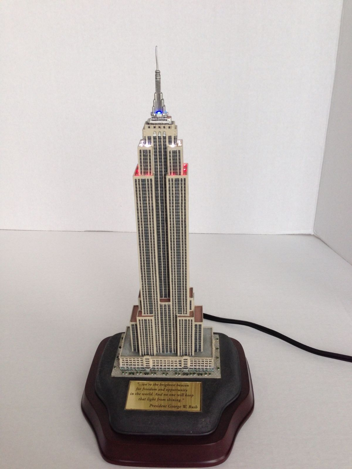 The danbury mint lighted empire state building for The danbury