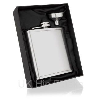 Lipped Hip Flasks in Gi..