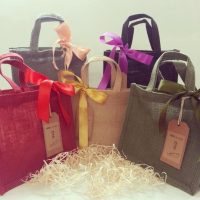 GIFT BAG WITH RIBBON AND TAG