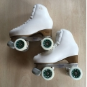 Second hand size 210 - size 13 skates white