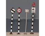 OO gauge Early Road Traffic Signs 4 Pack speed e..