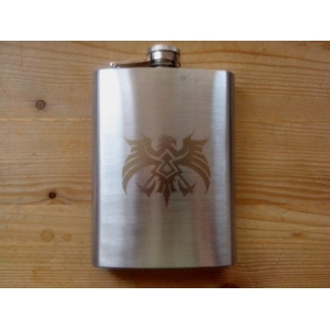 Hipflask with Goldcoloured Crest