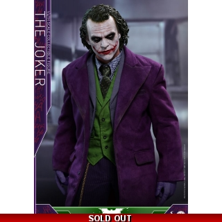Hot Toys: The Dark Knight 1/4th scale ..