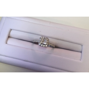 Princess Cut Halo Engag..