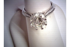 Princess setting semi-mtg engagment ring