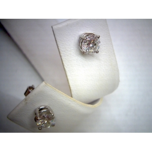 White Gold Diamond Stud..