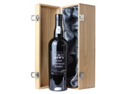 Dow's 2000 Vintage Port, in wooden box