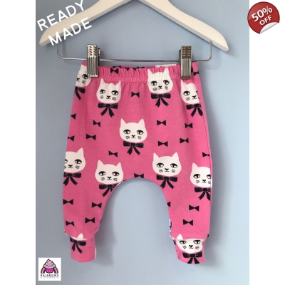 Mr Fancy Cat on Pink Legging..