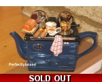 Aga Style Sunday Lunch Roast Teapot Blue ceramic