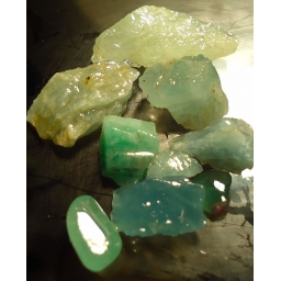 Aquamarine Rough 60 cts 5 t..