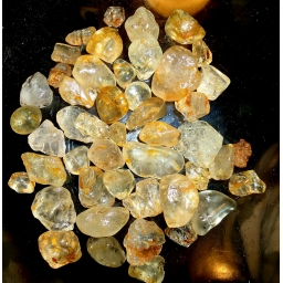 870 cts  5 to 20 mm Topaz r..