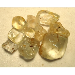 Topaz rough 260 cts  12 to ..