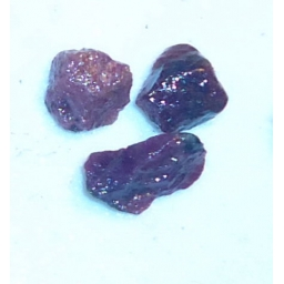 Ox Blood Ruby Rough 10 cts 8..