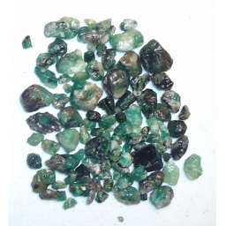 Emerald Rough 240 cts  5 To ..