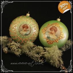 Lady in green - set of two h..