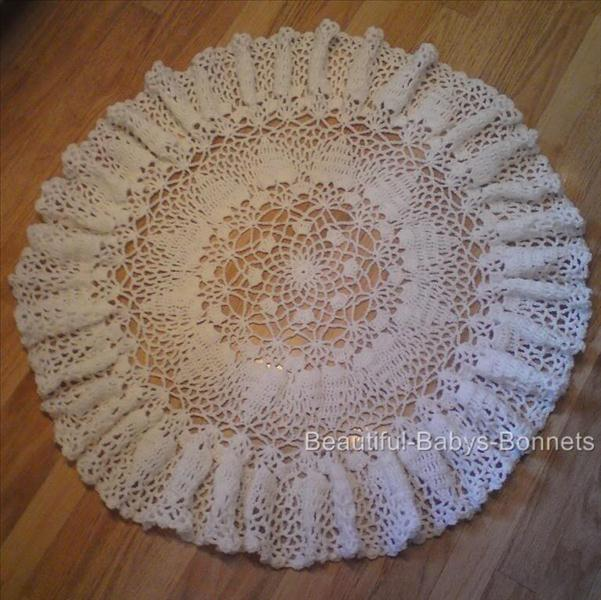 Crochet Pattern For Baby Roller Skates : Babys Lacy Crochet Shawl/Afhgan Round/Circular 40