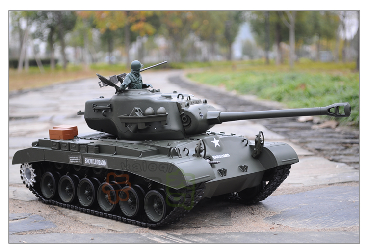 2 4G Heng Long 1/16 Snow Leopard RC tank with BB shooting / Smoking /  Engine Sounding