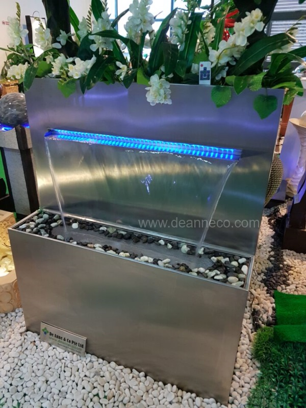 Modern Indoor And Outdoor Stainless Steel Water Features