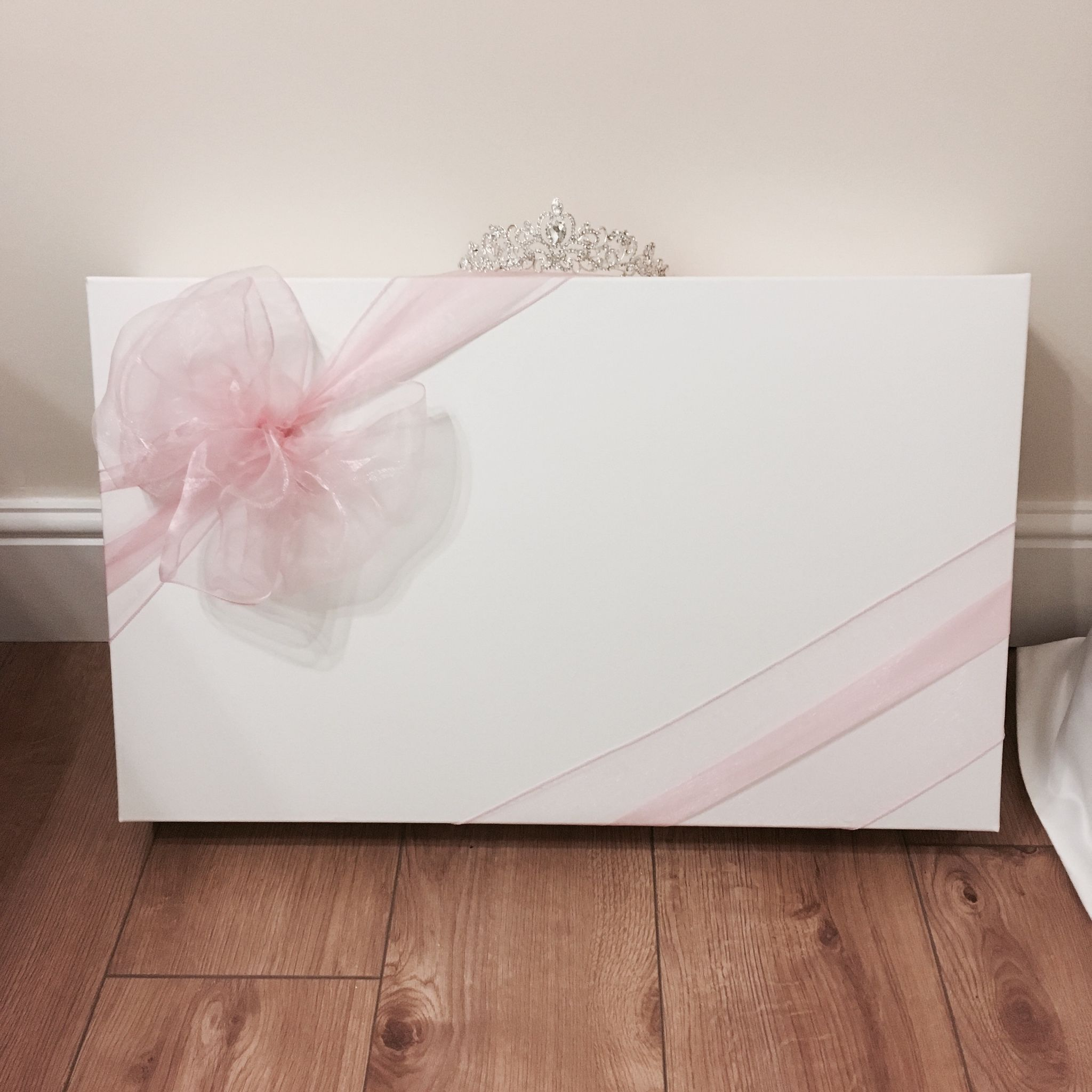 Wedding Gown Boxes: Large Organza Bow Wedding Dress Box