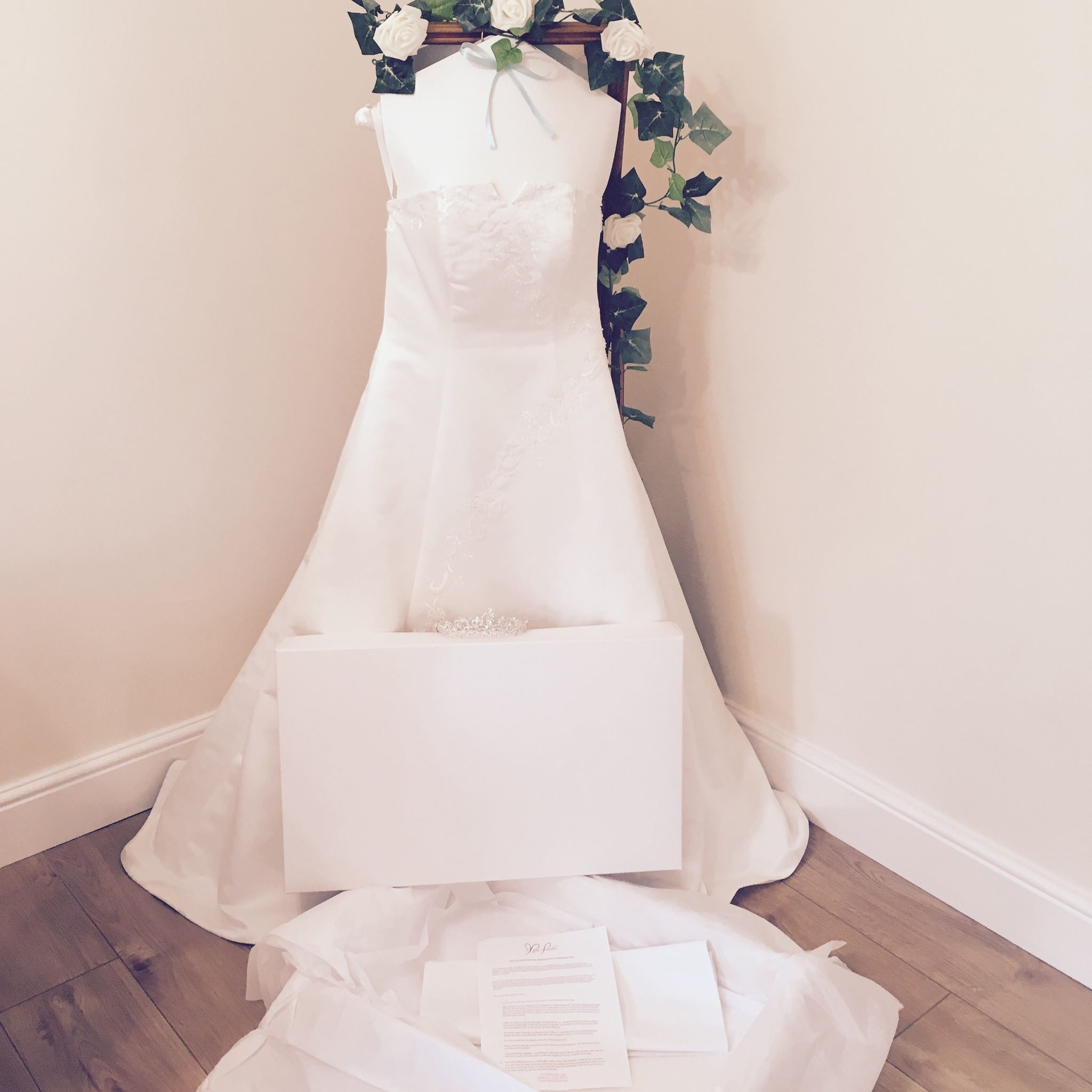 Wedding Gown Boxes: Wedding Dress Storage Preservation Box