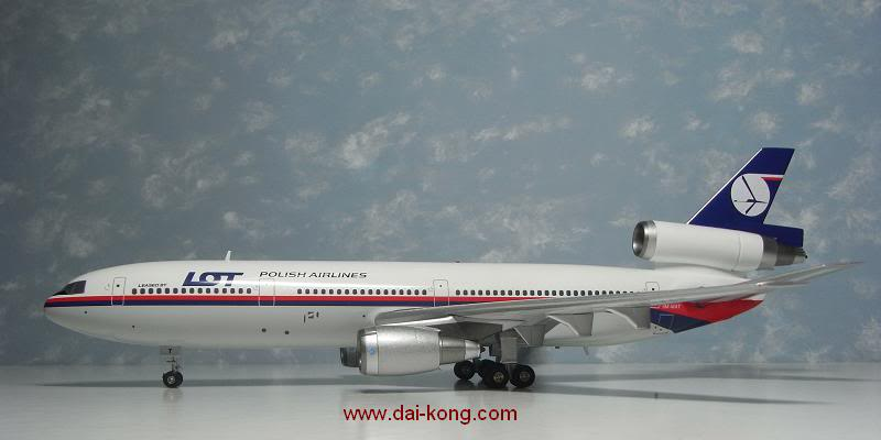 AV2D10003 aviation 200 1-200 Scale Maylasia-LOT DC-10-30