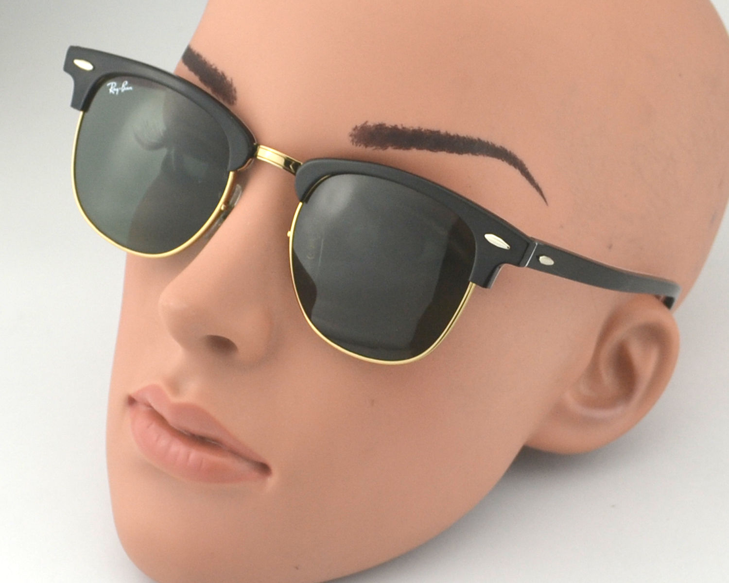 f62131b6e Ray Ban RB 3016 Clubmaster Classic 1016 Black on White Text on Red on Gold  Frame/Green Classic G-15 Glass Lens Unisex Sunglasses 51mm