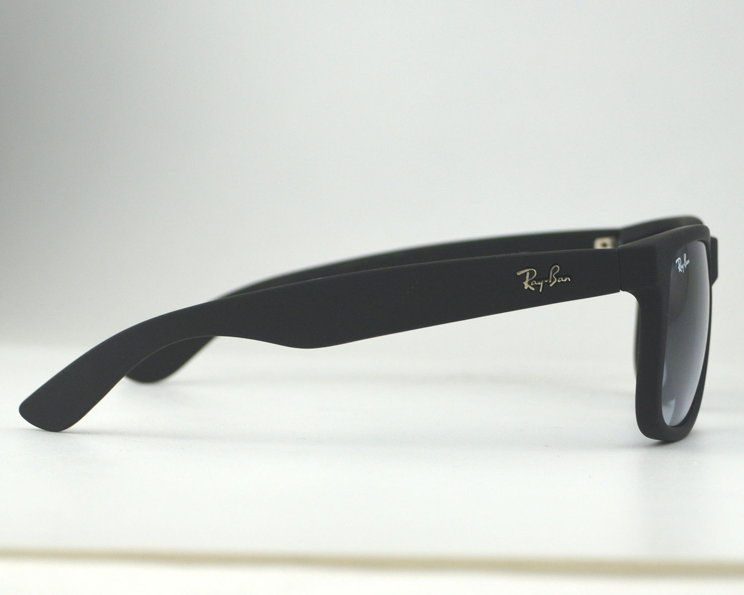 Ray Ban RB4165 Justin Classic 601 8G Black Frame Grey Gradient Lenses  Sunglasses 55mm b9535a8dc7