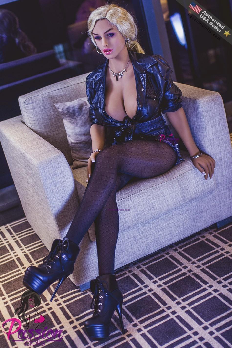 Tabitha Sex 25