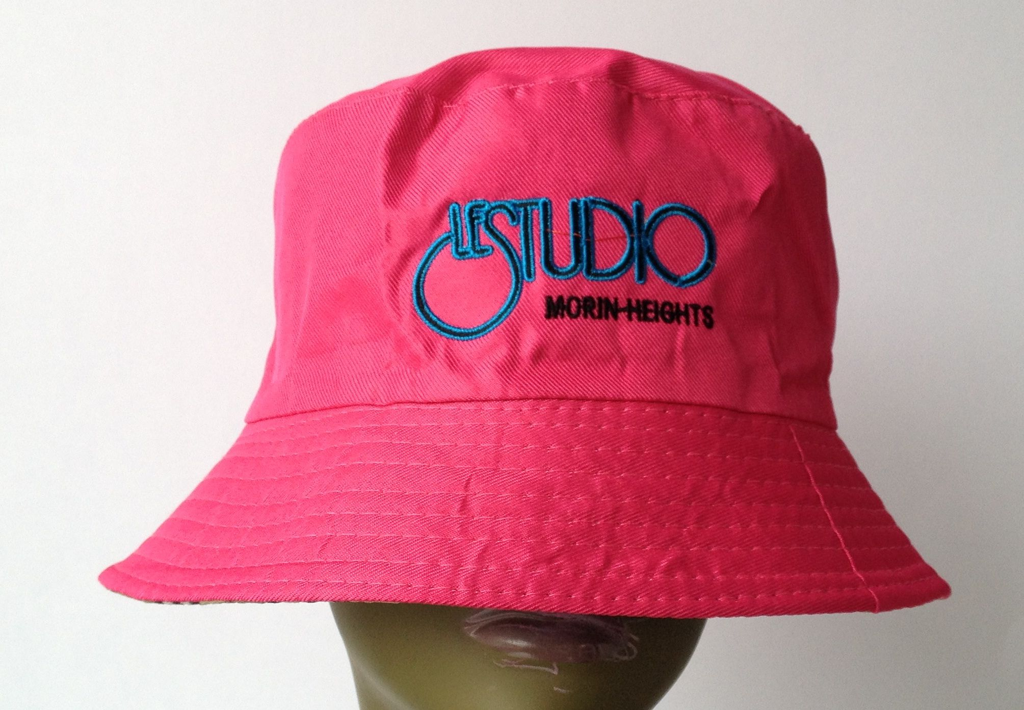 Hot Pink Bucket Beach Hat Black   Blue Embroid Front Logo M H 3ea14f390ad