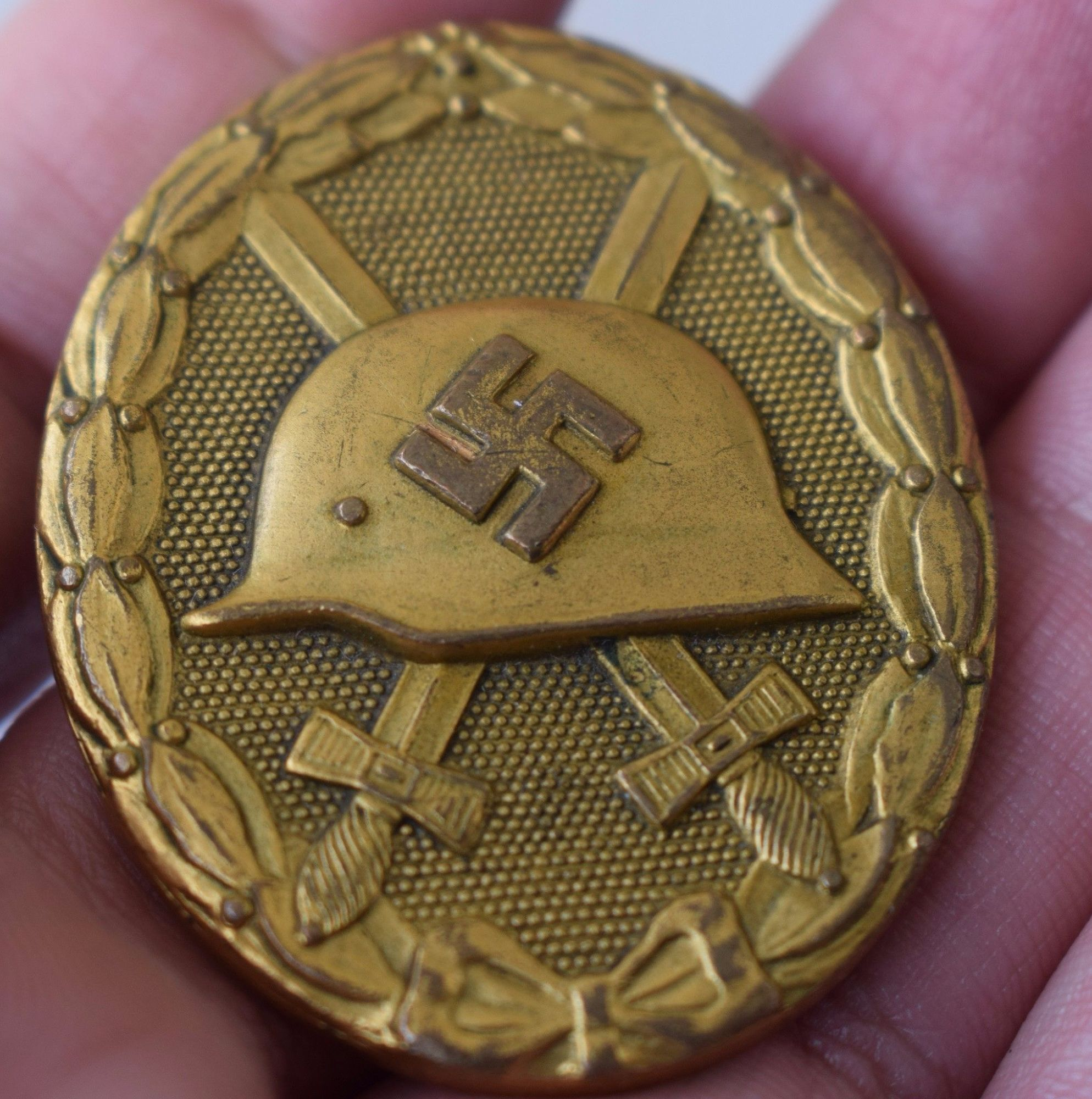 Original german ww2 golden wound badge with expertise