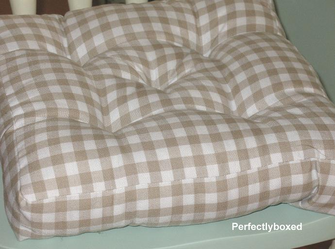 Gingham Seat Pads At Www Perfectlyboxed Com