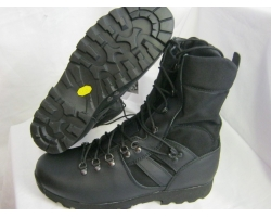 Altberg Jungle Microlite Boot Black