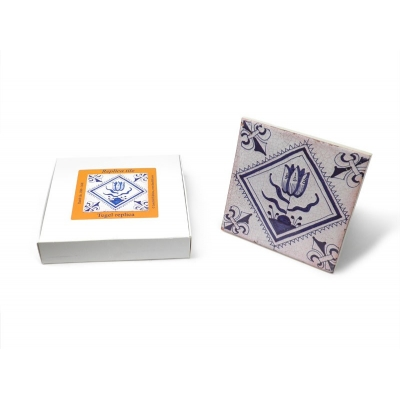 Tile with a Dutch motif - Tu..