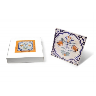 Tile with a Dutch motif - Tr..