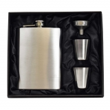 8oz Hip Flask Gift Set with cups
