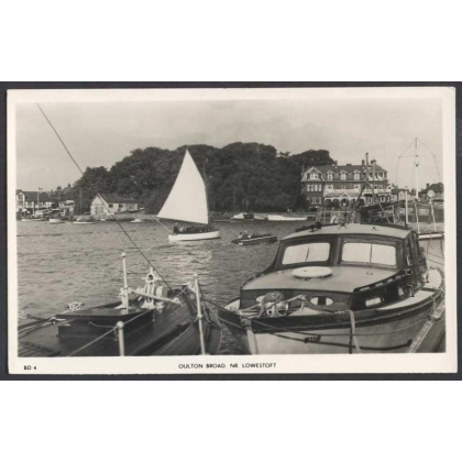 Oulton Broad Lowestoft Real photo postcard 1950s