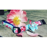 Blue Vintage Flower Collar