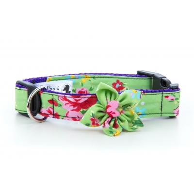 Green Vintage Flower Collar