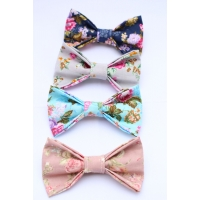 Country Floral Bow Tie