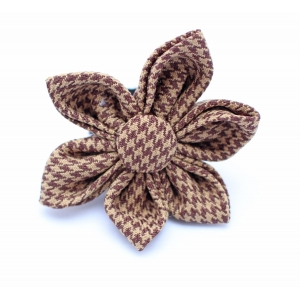 Brown Houndstooth Flowe..