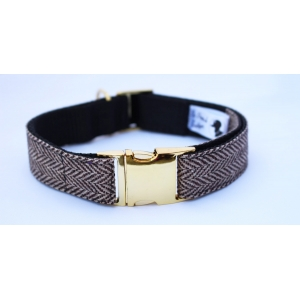 Brown Herringbone Tweed Collar On Gold..