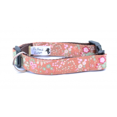 Ginger Cabbage Rose Collar