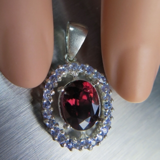 3.10ct Natural red zirc..