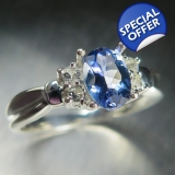0.8ct Natural Blue Tanzanite &white to..