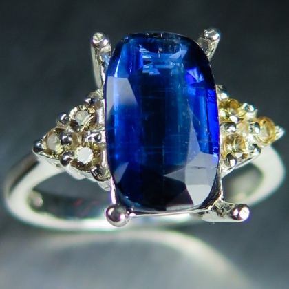 3.10cts Natural Royal blue Kyanite &sapphires 925 sterling silver ring