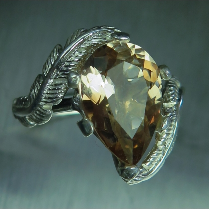 4.25cts Natural cream brown Imperial topaz Silver/ Gold/ Platinum ring