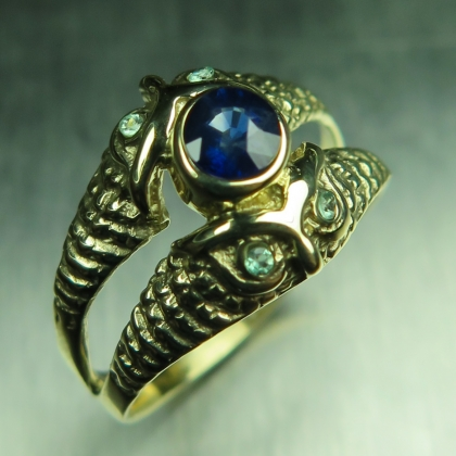 Natural Royal blue Sapphire &alexandrites 9ct 375 Yellow gold owl ring
